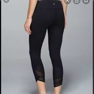Lululemon emerge renewed crops luxtreme 8